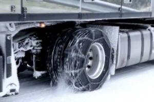 цепи противоскольжения на грузовике